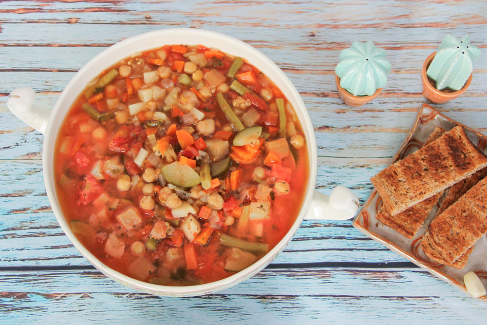 4_whole_food_plant_based_minestrone_soup_top_shot