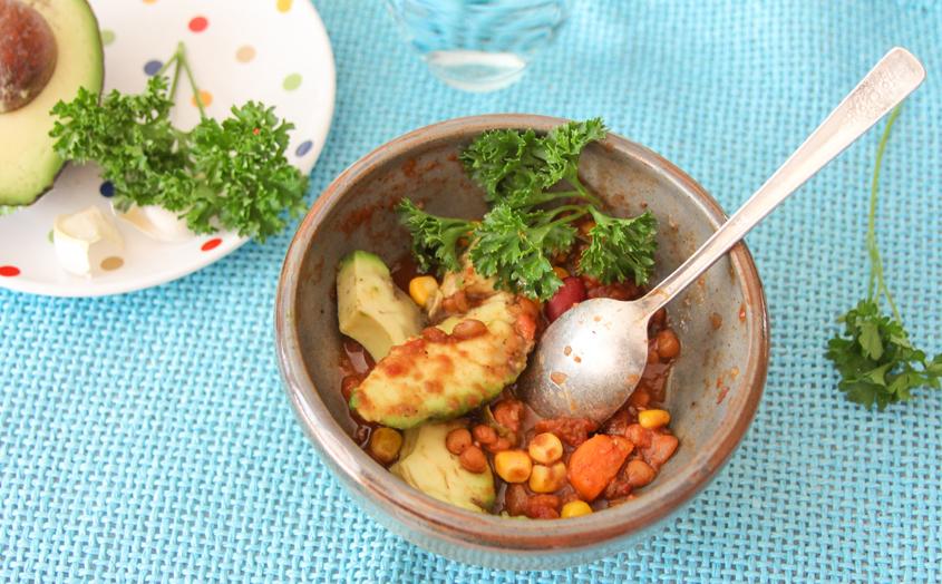 10_whole_food_plant_based_lentil_red_bean_chili_ingredients_finished_shot