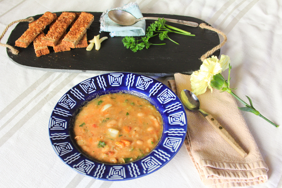 5_whole_food_plant_based_veggie_bean_soup_top_shot