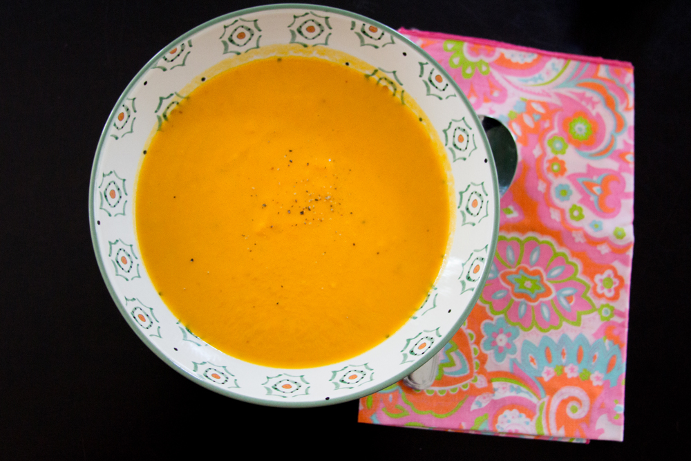 7_whole_food_plant_based_coconut_carrot_ginger_soup_top_shot