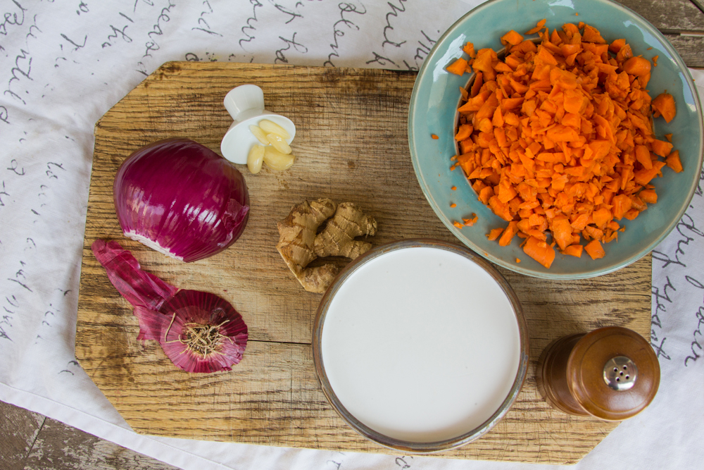 2_whole_food_plant_based_coconut_carrot_ginger_soup_ingredients_top_shot