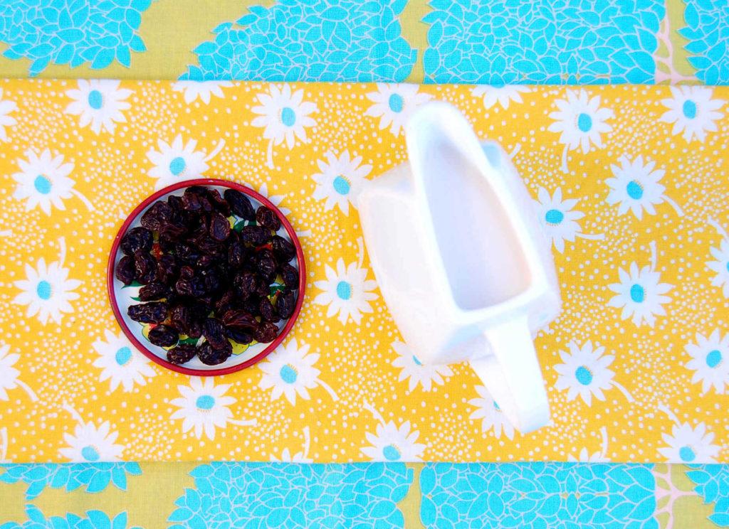 whole_food_plant_based_quinoa_bowl_.raisins_milk