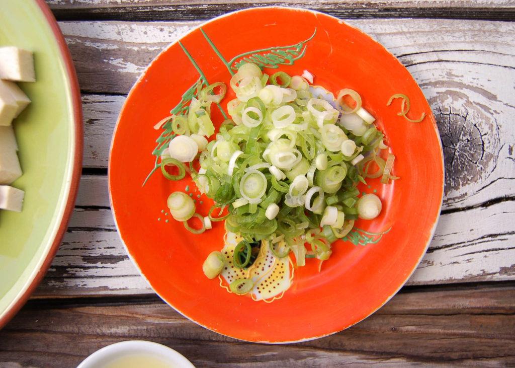 tofu_poke_green_onions