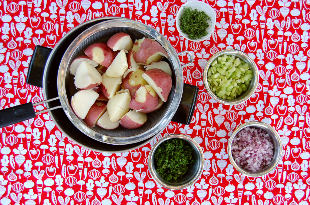 potato_salad_ipotatoes_and_ingredients