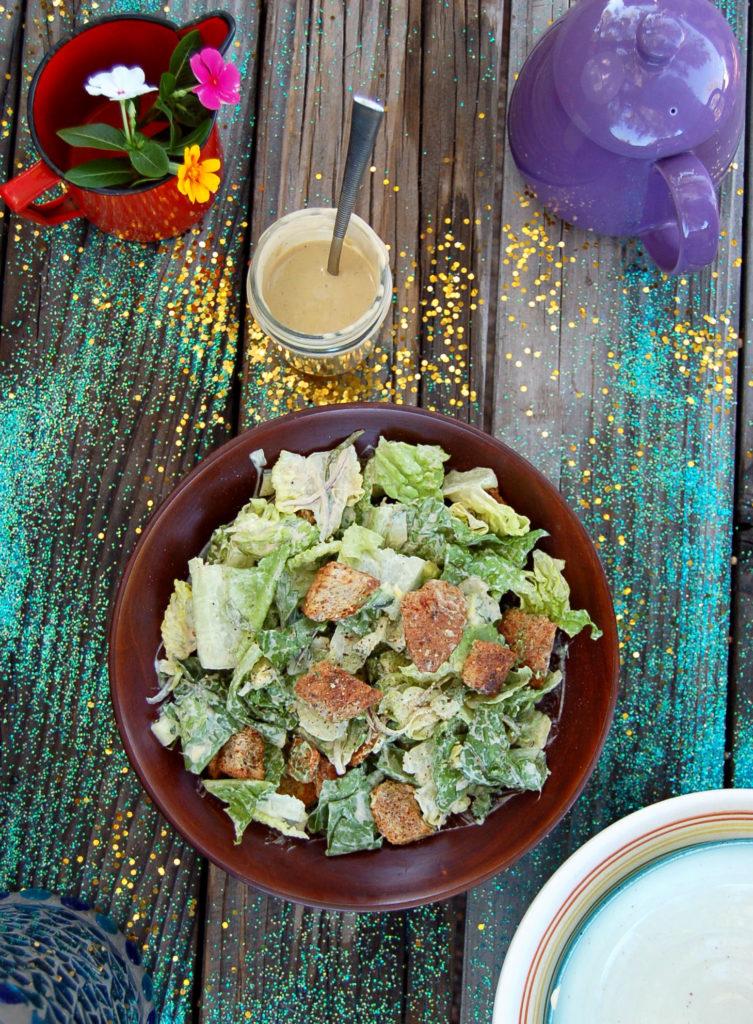 caesar_salad_vert_bowl_top_glitter