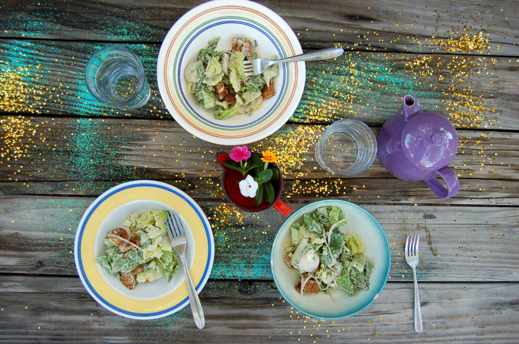 caesar_salad_table_glitter_bowls_top