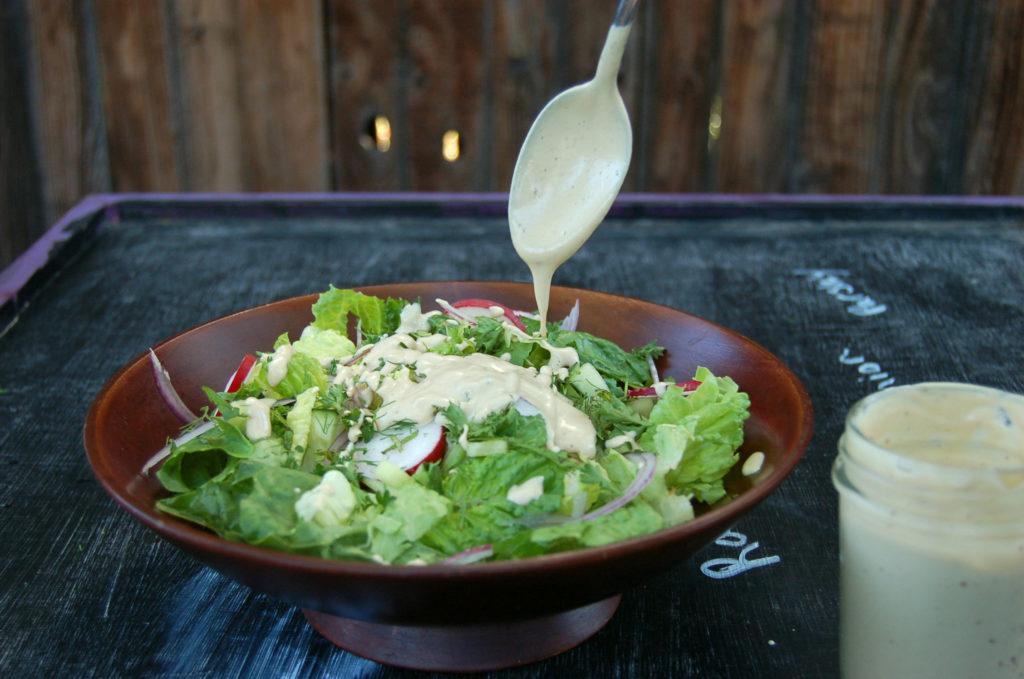 caesar_salad_drizle_spoon