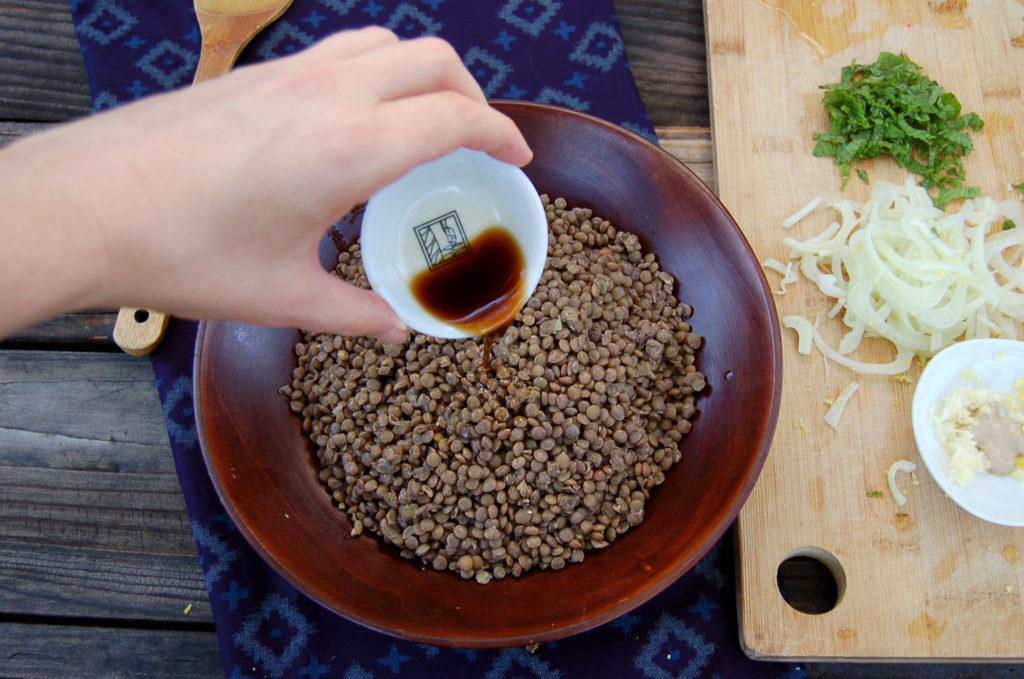 lentil_salad_hand
