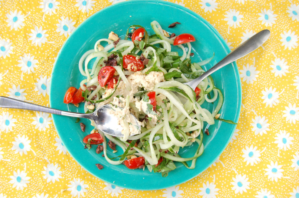 cucumber_noodles_top_spoons