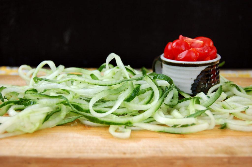 cucumber_noodles_noodles_tomatoes
