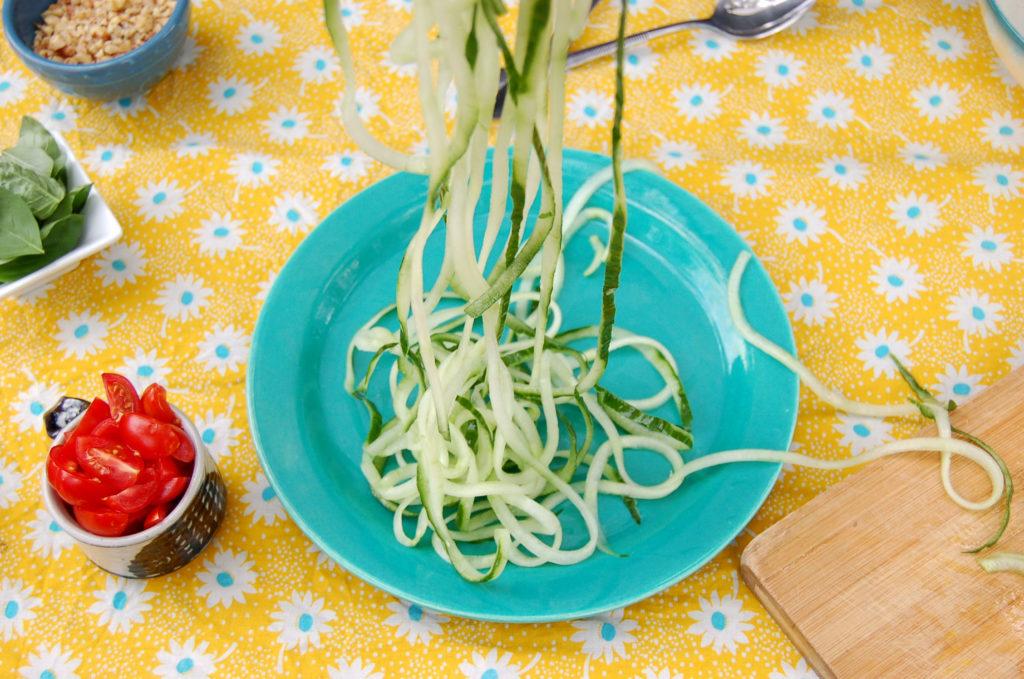 cucumber_noodles_noodles_plate