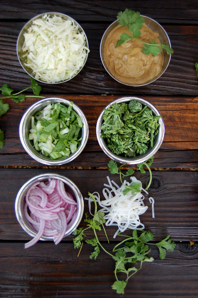 pad_thai_ingredients_bowls