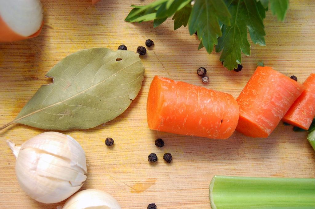 veggie_stock_bay_leaf_macro