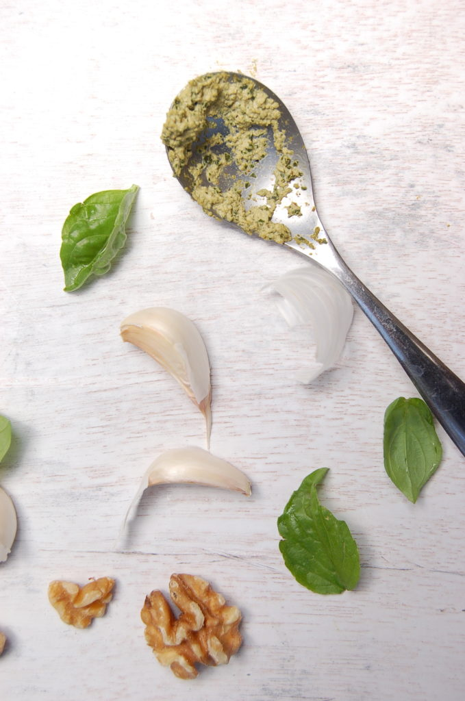 pesto_spoon_ingredients