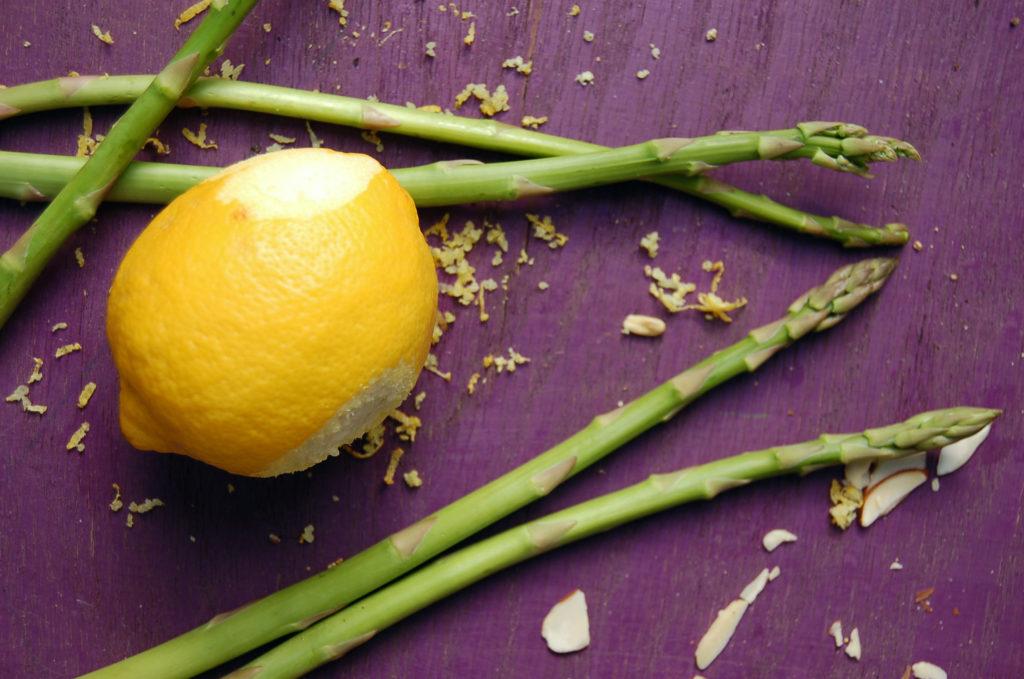 leek_asparagus_soup_lemon_peel