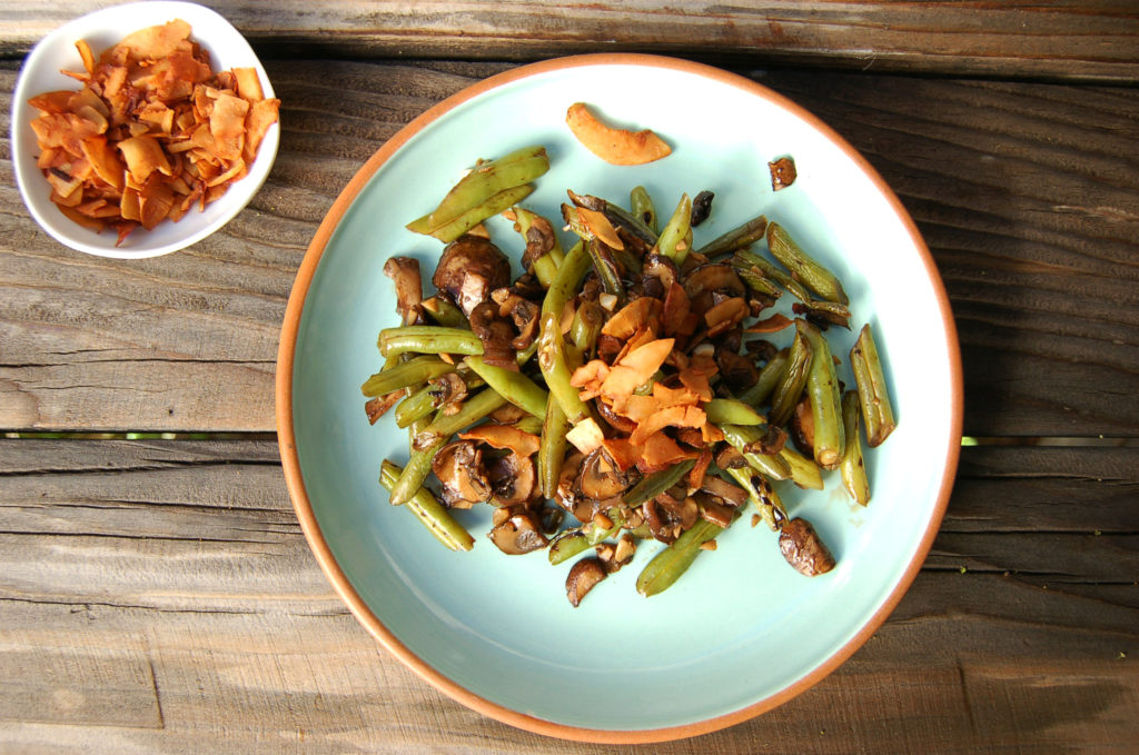 Balsalmic_Green_Beans_Plate_With_Coconut