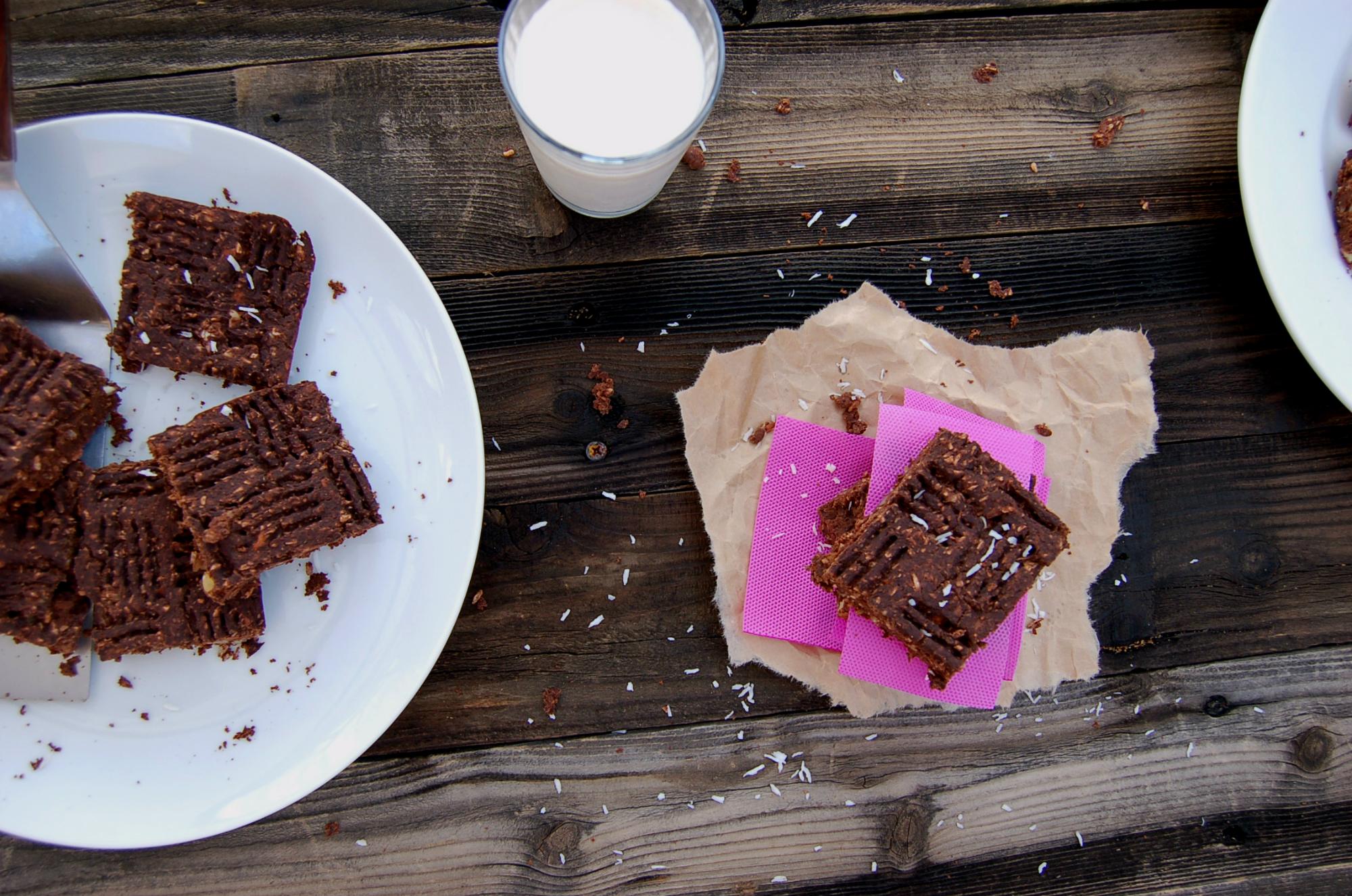 Black Bean Brownies_whole Scen_top