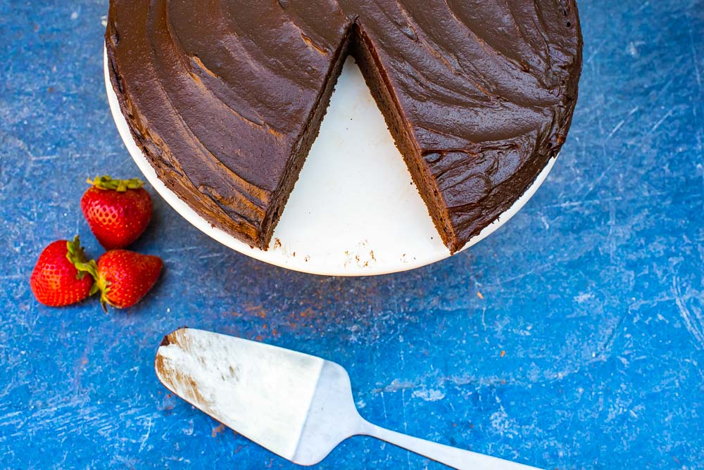 whole_food_plant_based_chocolate_cake_with_creamy_chocolate_frosting-151