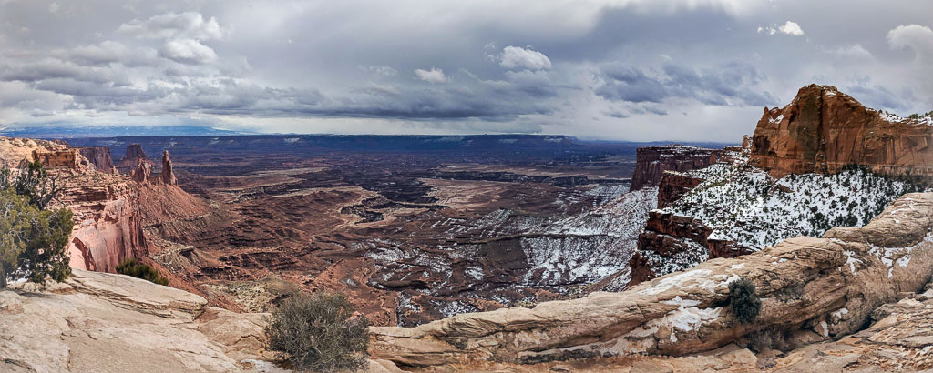 A spectacular view into the valley and and sky of Canyonlands National Park.