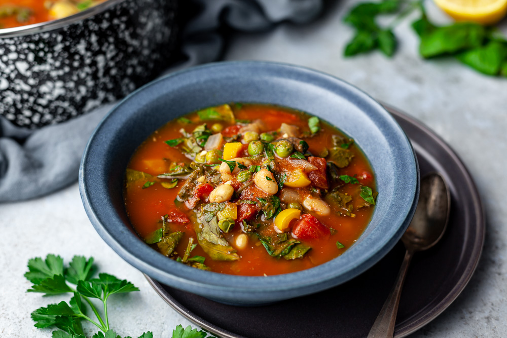 How to Stop Snacking + Veggie-packed Kale & Cannellini Soup